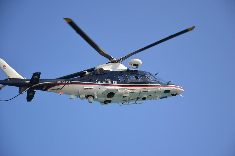 Elicottero A Benzina : Quot live da brindisi incidenti sulla statale la polizia