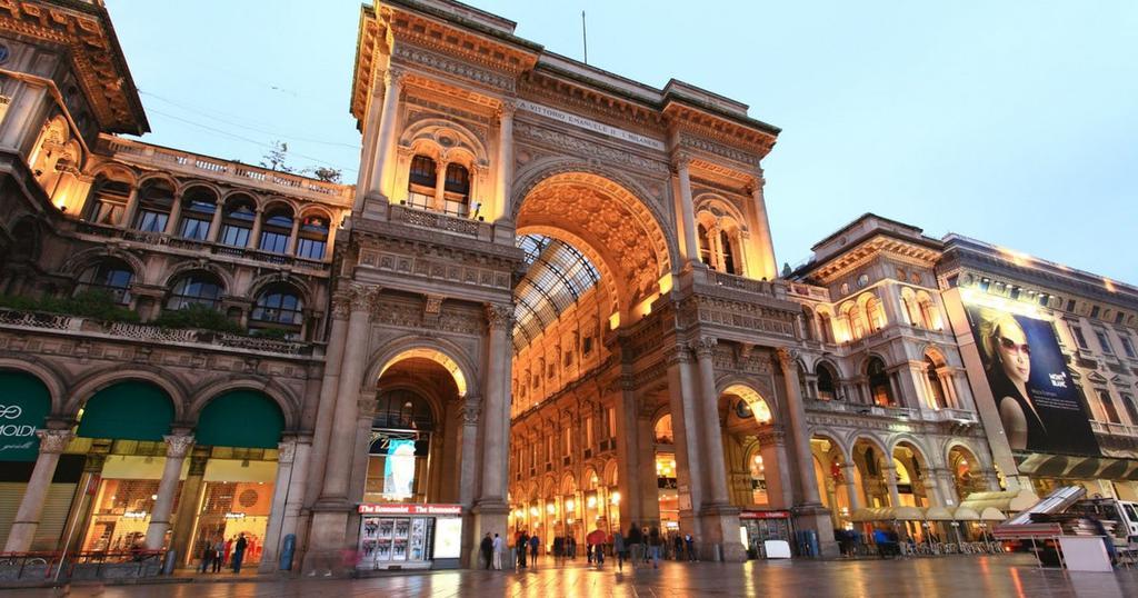 Il Panettone artistico più grande del mondo/16 dicembre/Galleria Eventi a Milano