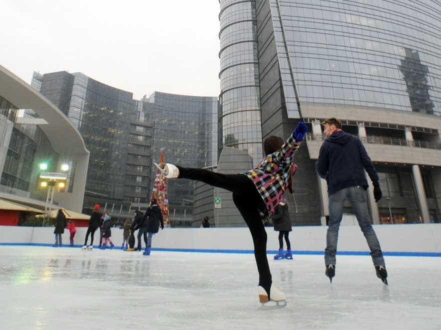 La pista di pattinaggio sul ghiaccio in Gae Aulenti/Dal 15 novembre al 17 febbraio