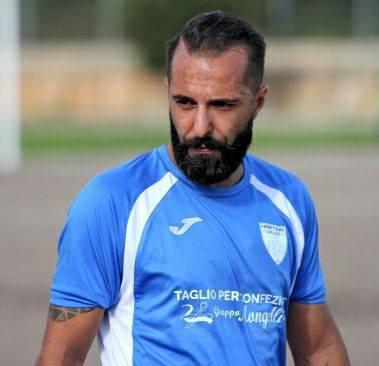 Sergio De Tommaso, bandiera del Martina, dà l'addio al calcio giocato e alla maglia biancazzurra
