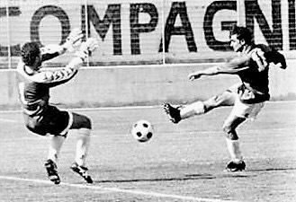 21 maggio 2000: Mimmo DAntò segna la rete che permette al Taranto di espugnare Cerignola. Sarà lultima vittoria rossoblu al Monterisi