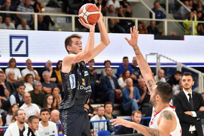 Alla BLM Group Arena debutto vincente: 88-75 contro Pistoia