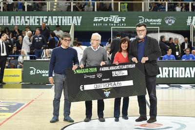 """Aquila Basket Earth Day, consegnato alla SAT l'assegno frutto dell'evento """"green"""""""