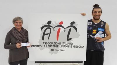"""""""Una borsa di speranza per AIL"""", dalla lotteria 20mila euro per la ricerca contro la leucemia"""