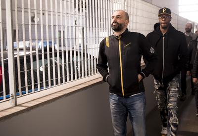 """Aquila Basket, visita al carcere di Spini di Gardolo. Sutton: """"Lo sport mi ha salvato dalla strada"""""""