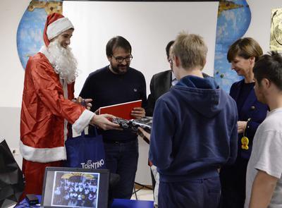 Da Deutsche Bank doni in bianconero per il Natale di Anffas