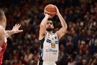 All'Aquila non basta un gran primo tempo: vince Milano 86-78