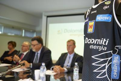 Presentata la nuova maglia da gioco della Dolomiti Energia