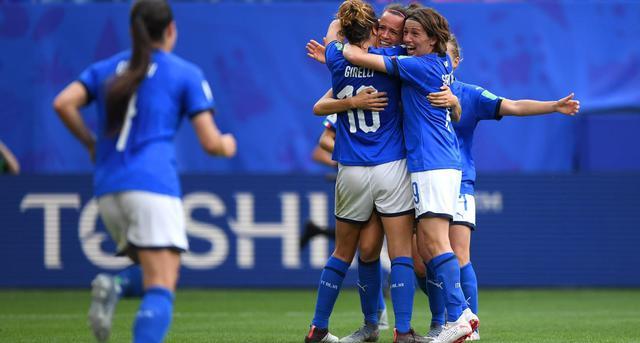 L'esultanza delle azzurre, FOTO: FIFA.COM