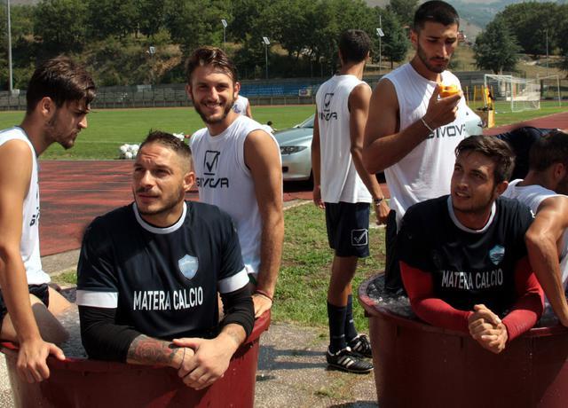 Una fase del post allenamento, foto: Giorgia Cannella-MateraCalcio.it