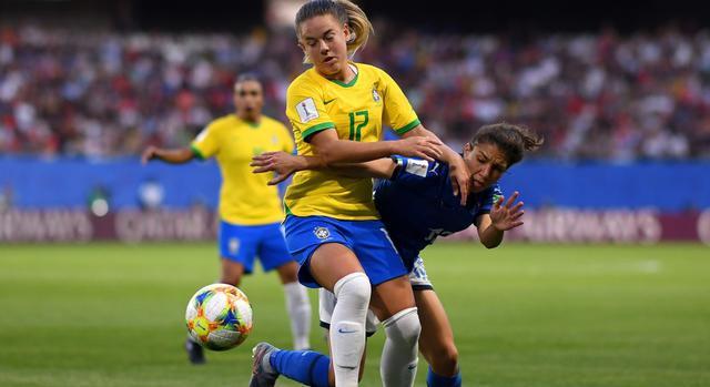 Una fase di Italia-Brasile, FOTO: FIFA.COM-GETTY IMAGES