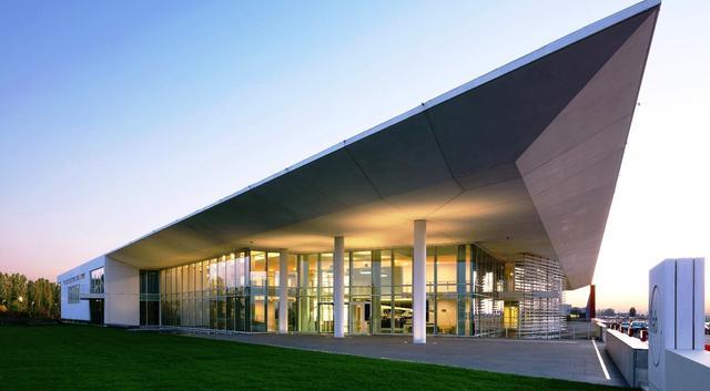 La sede dell'Italcementi di Bergamo, foto: Fonte Web