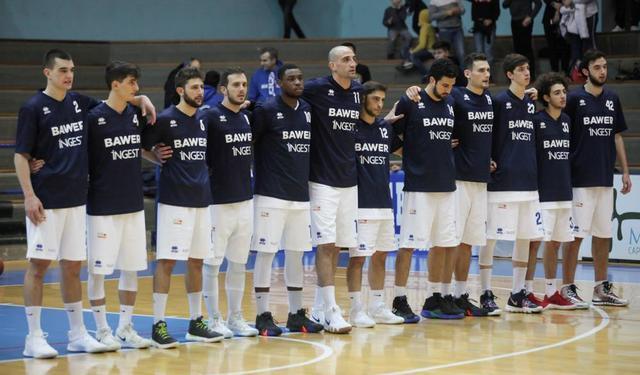 La squadra dell'Olimpia Matera, foto: Roberto Linzalone