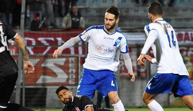 Il centrocampista Davide Corso in azione, foto: Sandro Veglia