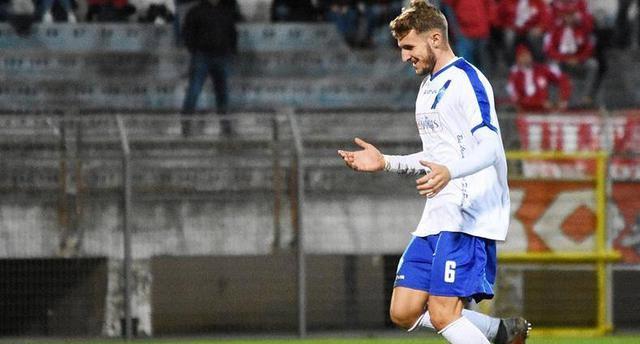 Il difensore Simone Auriletto, foto: Sandro Veglia