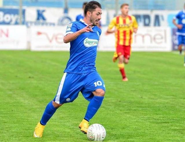 L'esterno Nicola Strambelli con la maglia della Fidelis Andria, foto: Fonte Web