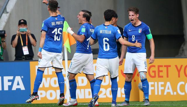 L'esultanza dell'Italia, FOTO: ALEX LIVESEY - FIFA.COM