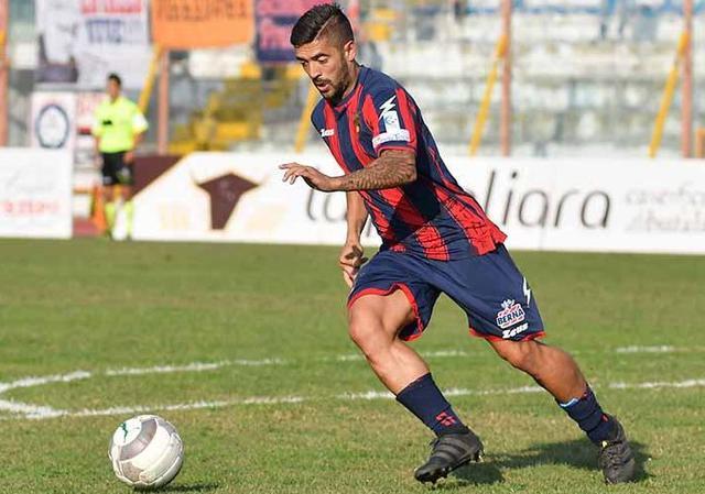 Il centrocampista Francesco De Rose, foto: Giuseppe Scialla