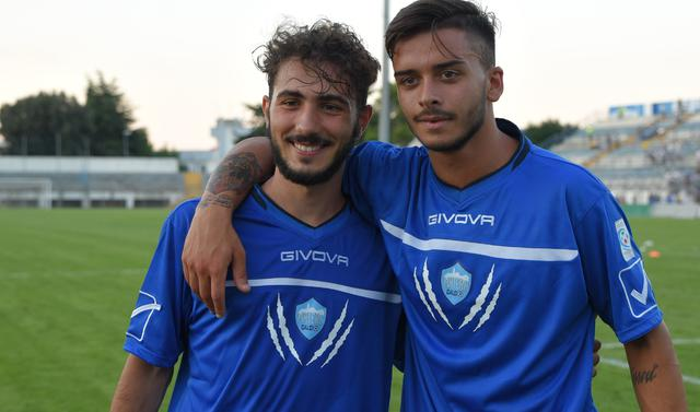 L'attaccante Dellino con il centrocampista Hysaj, foto: Emanuele Taccardi