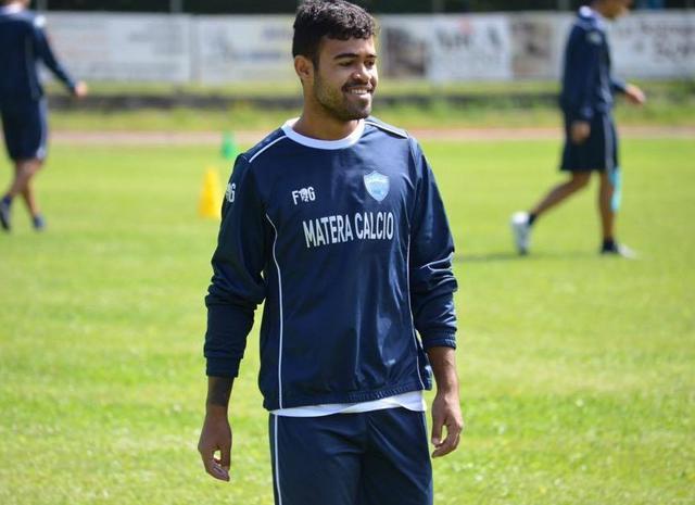 L'attaccante Adriano Louzada, foto: Fabio Venezia
