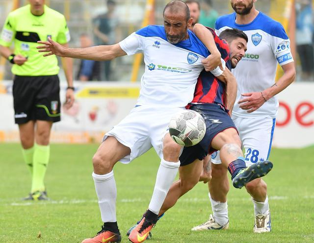 Il difensore Giuseppe Mattera in azione, foto: Giuseppe Scialla