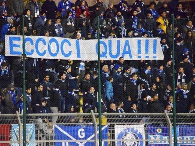 I tifosi biancoazzurri a Potenza, foto: MateraCalcioStory.it