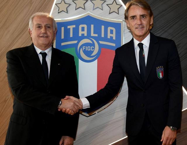 Il commissario Fabbricini e il neo ct Mancini, foto; Figc.it