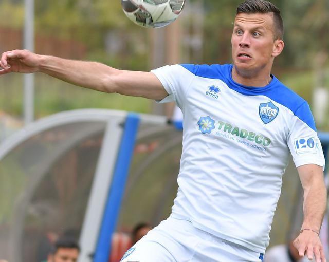 Il centrocampista Giacomo Casoli, foto: Giuseppe Scialla
