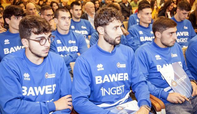 Il roster dell'Olimpia Matera, FOTO: ROBERTO LINZALONE - OLIMPIAMATERA.IT