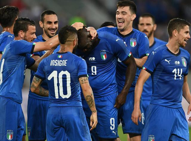 L'esultanza dopo la rete di Balotelli, foto: Figc.it