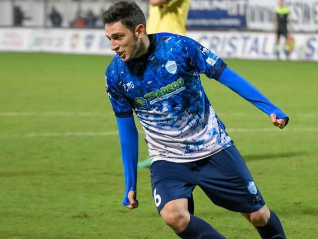 Il centrocampista Francesco Salandria in azione, foto: Emanuele Taccardi