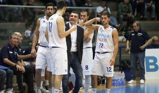 Origlio a rapporto con la squadra, foto: Roberto Linzalone