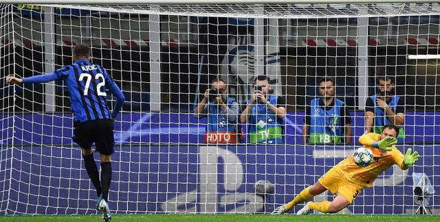 Il rigore sbagliato da Ilicic, FOTO: UEFA.COM