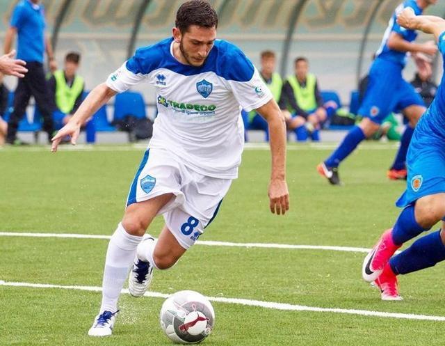 Il centrocampista Francesco Salandria in azione, foto: Simona Amato