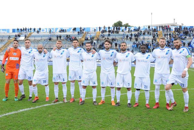L'undici biancoazzurro in campo, foto: Sandro Veglia