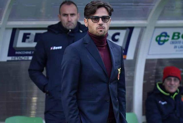 L'allenatore Raffaele Esposito della Casertana, foto: Giuseppe Scialla
