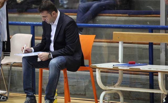 Il coach dei biancoazzurri Agostino Origlio, foto: Roberto Linzalone