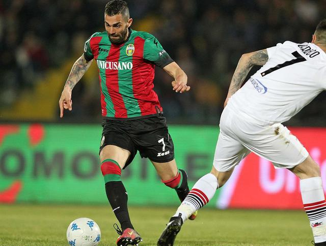 Il centrocampista Giuseppe Statella in azione, foto: Fonte Web