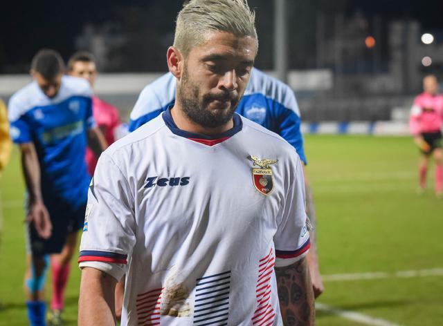 Il centrocampista Francesco De Rose con la maglia della Casertana, foto: Emanuele Taccardi
