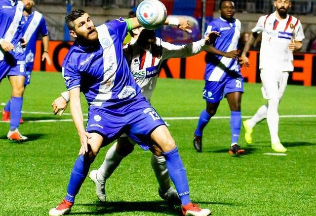 Il difensore Mariano Stendardo in azione, foto: MateraCalcioStory.it