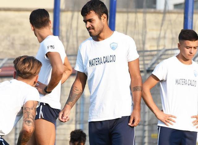 L'attaccante Adriano Louzada, foto: Sandro Veglia