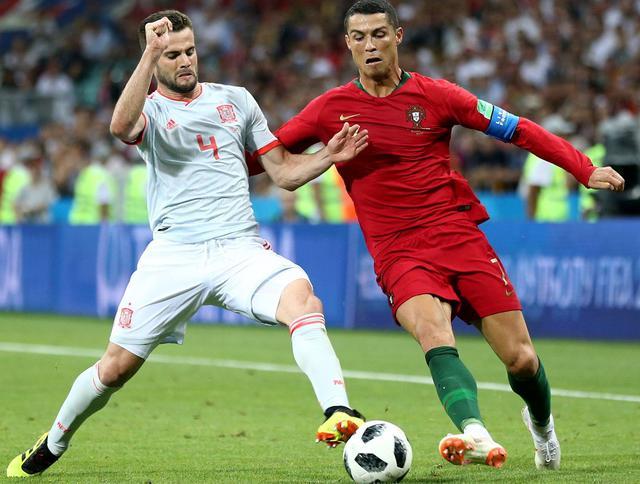 Una fase di Portogallo-Spagna, foto: Fifa.com