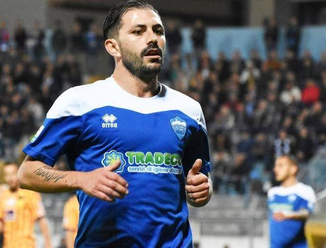 L'attaccante Nicola Strambelli, foto: Sandro Veglia