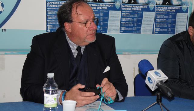 Il presidente Rosario Lamberti in conferenza stampa, foto: TuttoMatera.com