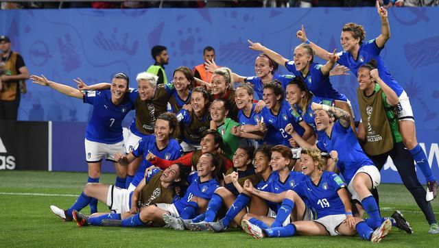 L'esultanza delle azzurine, FOTO: FIGC.IT-GETTY IMAGES