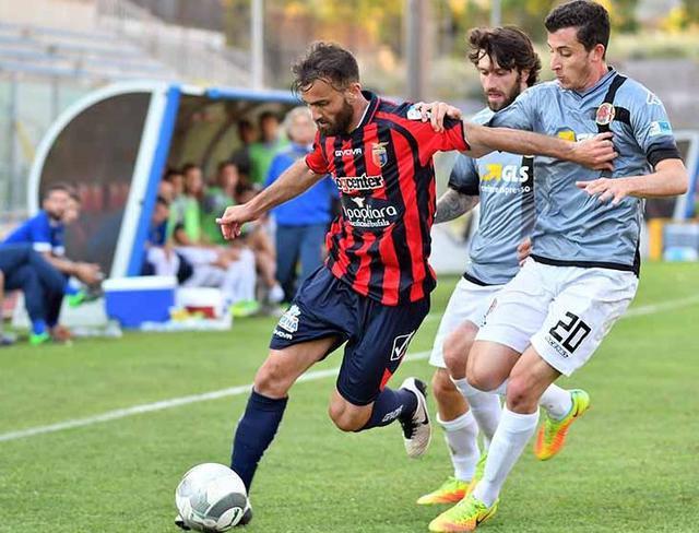 L'attaccante Luca Orlando, foto: Giuseppe Scialla