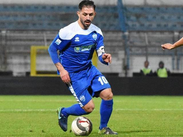 L'attaccante dei biancoazzurri Nicola Strambelli, foto: Sandro Veglia