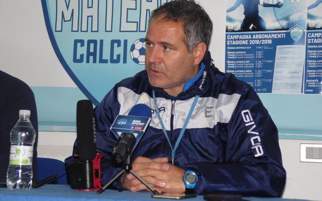 Il tecnico Eduardo Imbimbo in conferenza stampa, foto: TuttoMatera.com