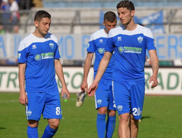 I biancoazzurri nel finale di Matera-Rende, foto: Emanuele Taccardi