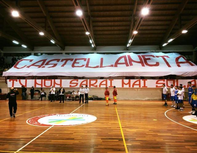 La spettacolare coreografia degli Ultras Castellaneta
